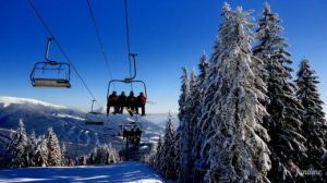 15142932405a4247f831c5e 300x168 - Буковель: лыжи, санки и гуцульские забавы