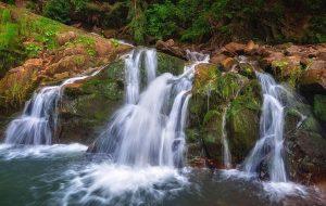kameneckij vodospad 2 300x190 - Невероятное Закарпатья