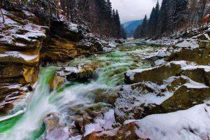 yaremcha zymovyi vodospad probij 300x200 - Буковель - открытие сезона
