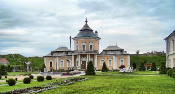 1443810338560ecc22bfbce - Замки Львовщины + Замок мушкетеров