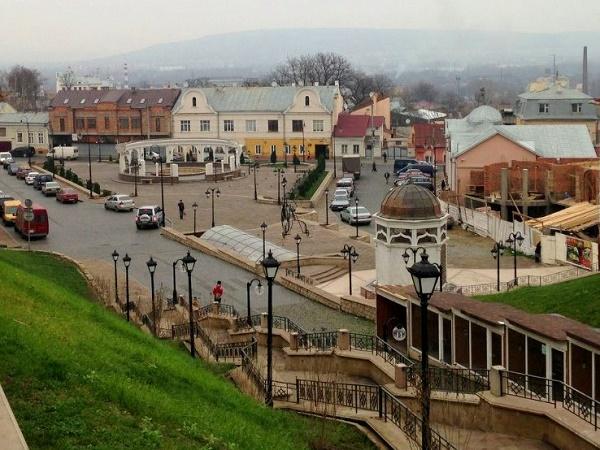 chernovcy32 - Черновцы-Украинский Париж + долина тюльпанов