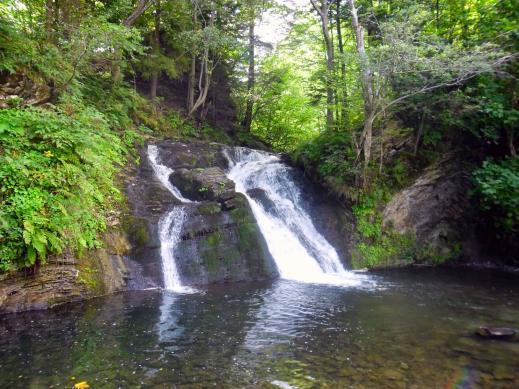 15372579065ba0b1b2b786d - Тростян, водопад Гуркало, козья ферма