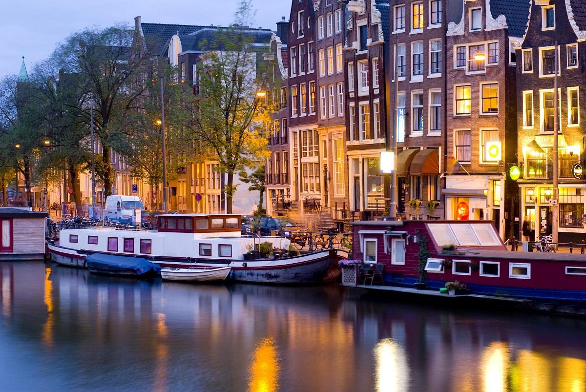 Nochnoj Amsterdam - Новые горизонты: Рига, Стокгольм, Копенгаген, Амстердам