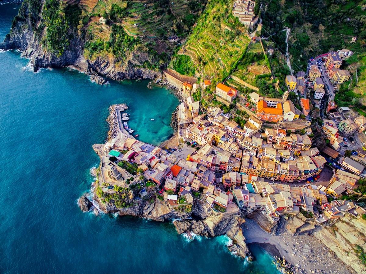 normal cinque terre vernazza italy - Итальянские каникулы