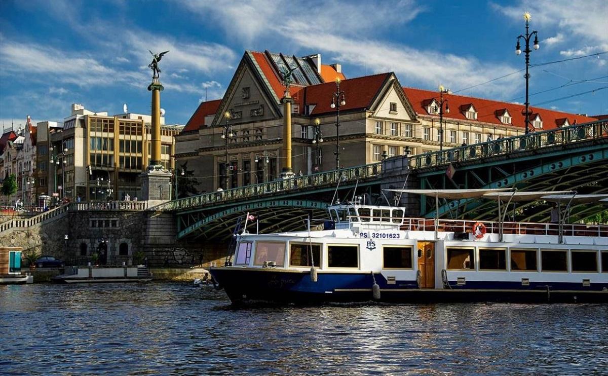 praguerivercruises10 - Вена и Прага - Империи королей