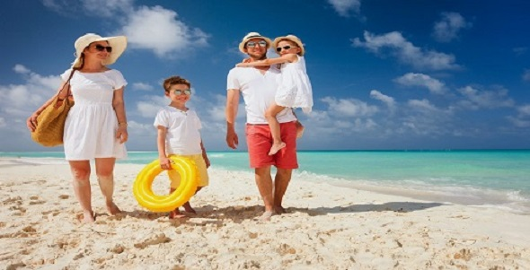 001_oae_dubay_madinat_jumeirah_family_on_a_tropical_beach_vacation_foto_shalamov_-_depositphotos_1_1
