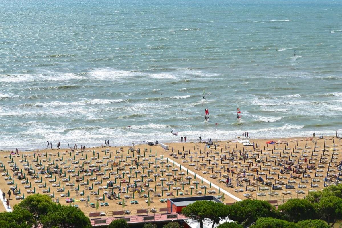 133181922 - Италия. море