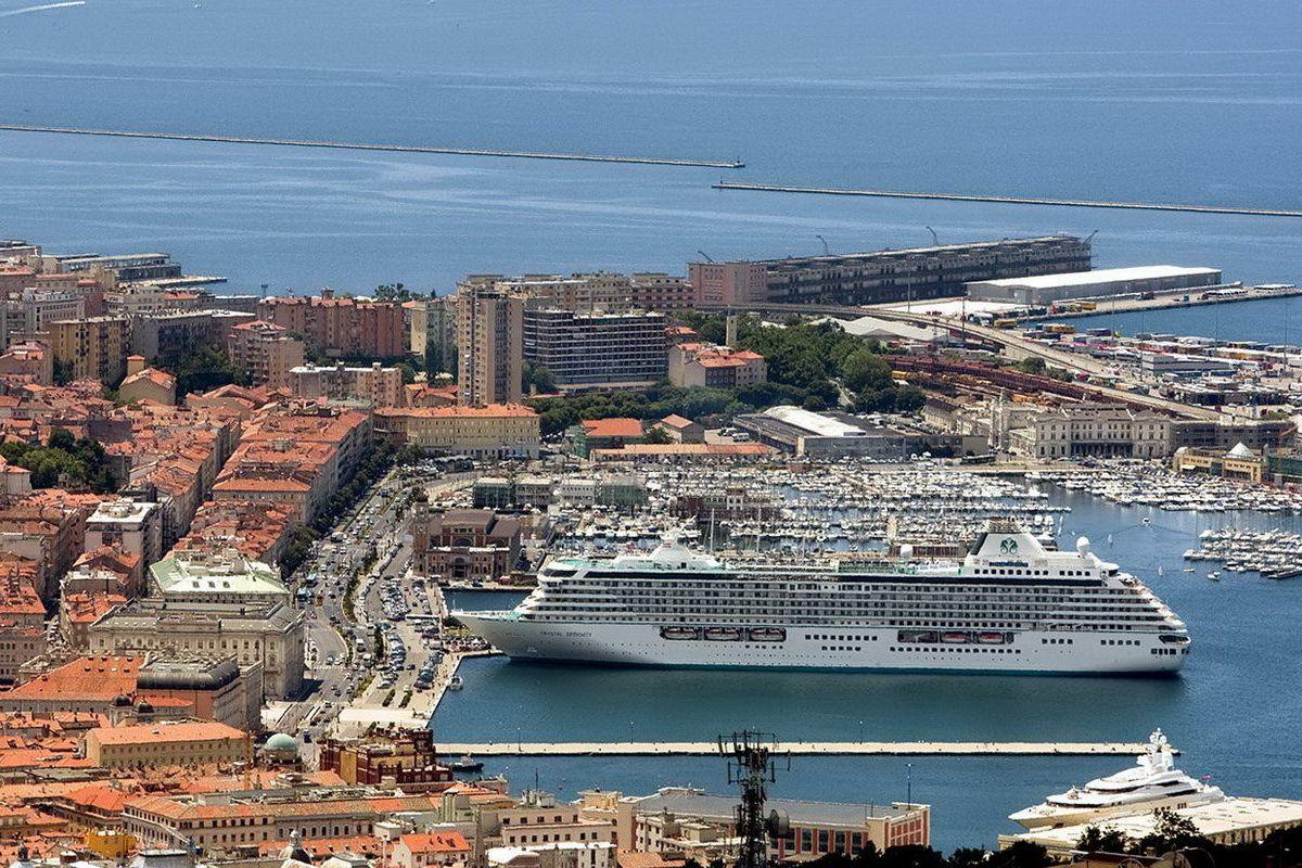 14738 - Италия. море