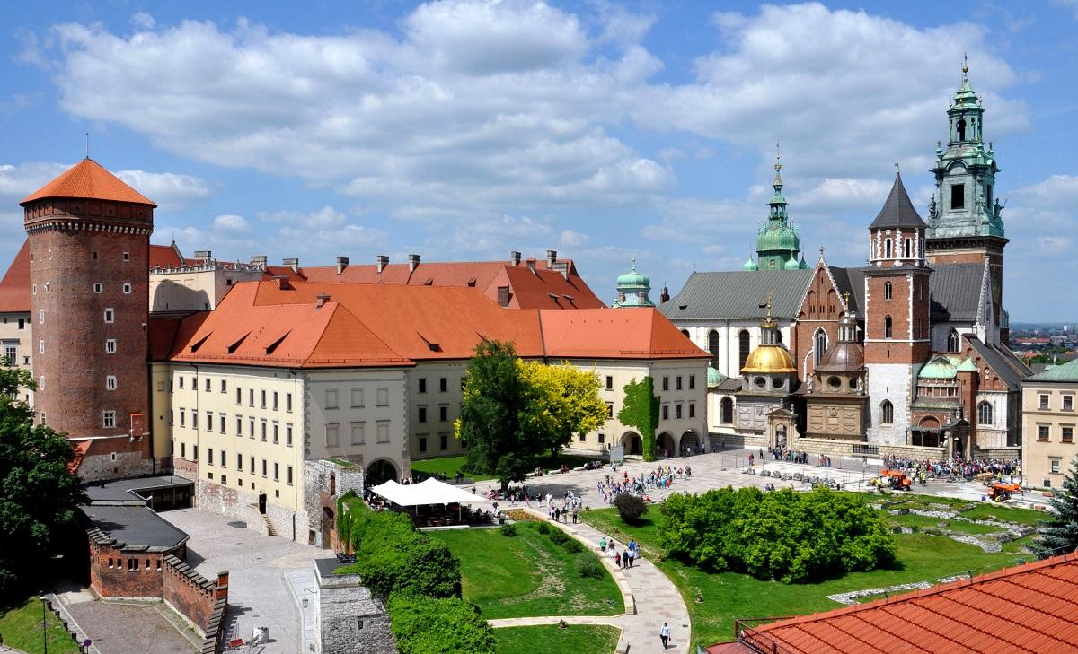 Wawel castle e1426451148619 - Святые места Польши, Чехии и Венгрии