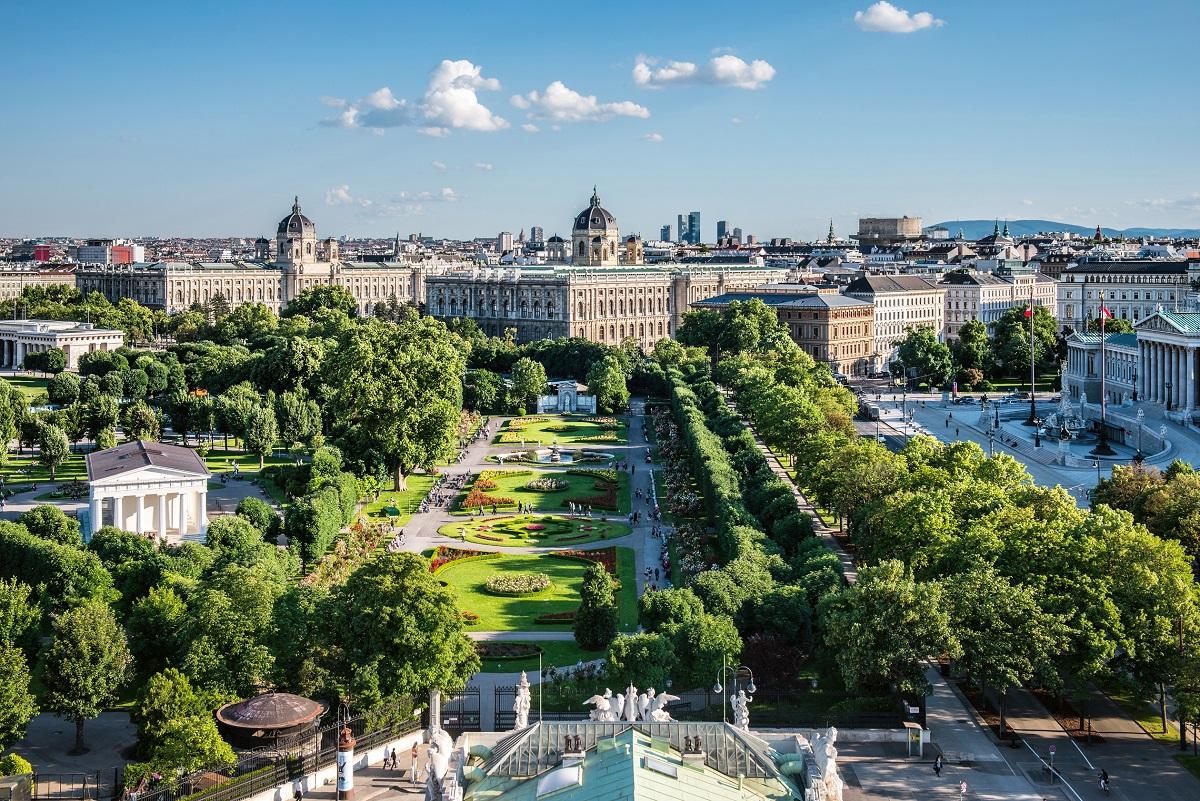 vena avstriya stolitsa puteshestvie vid sverkhu 97973 2520x1684 - Вена и Прага - Империи королей