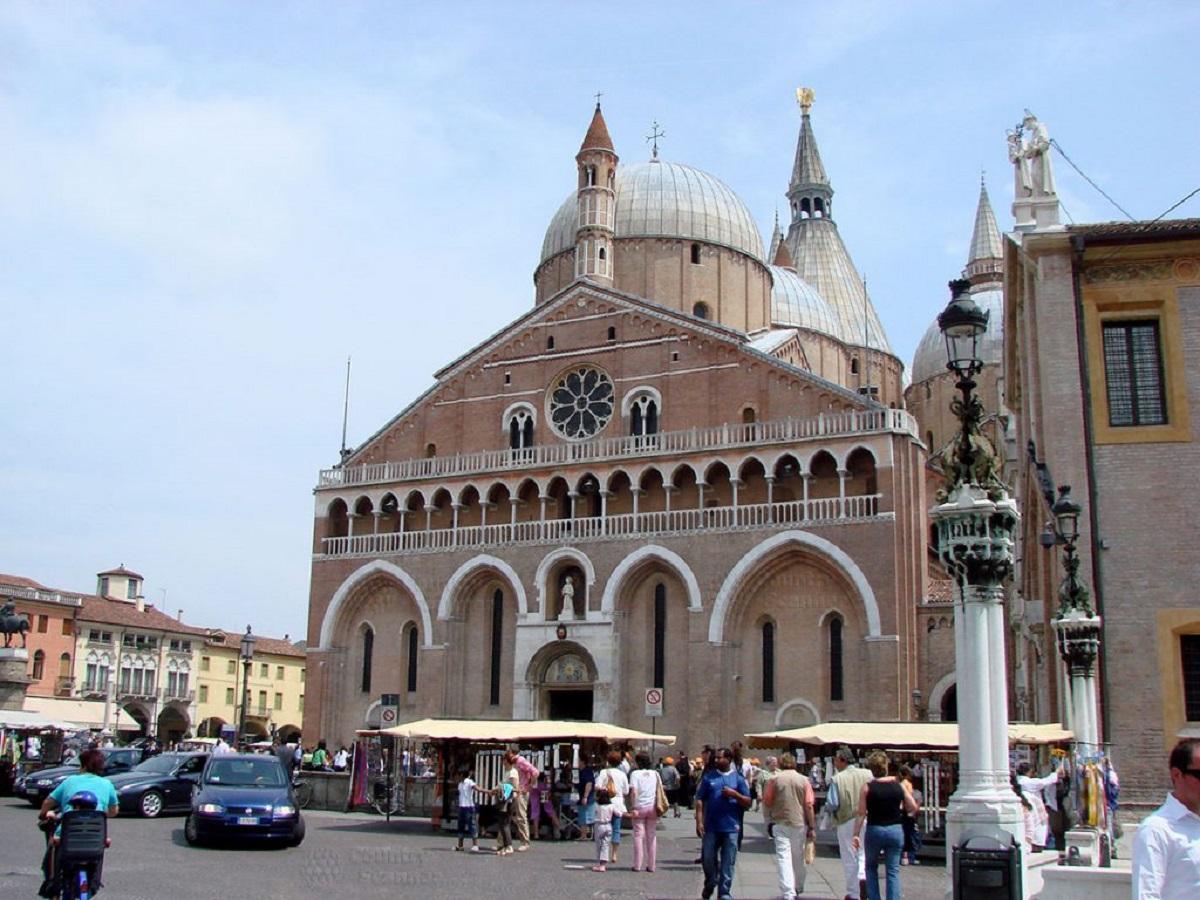 basilica di sant antonio countryscanner 1 1024x768 - Паломнический тур в Рим