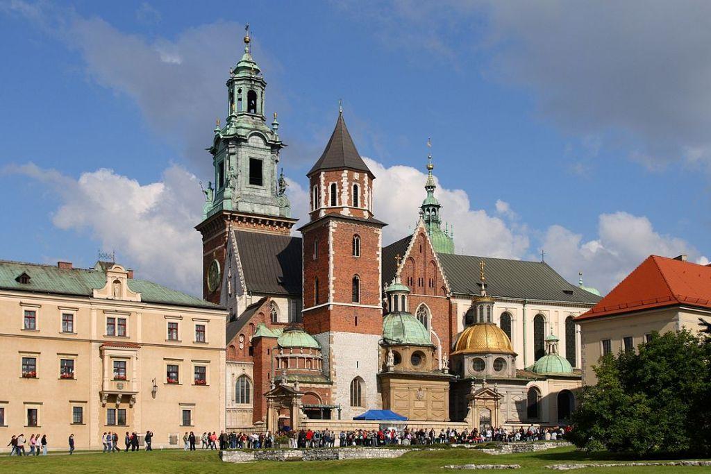 1200px Krak w   Wawel Cathedral 01 1 - Что посмотреть в Кракове