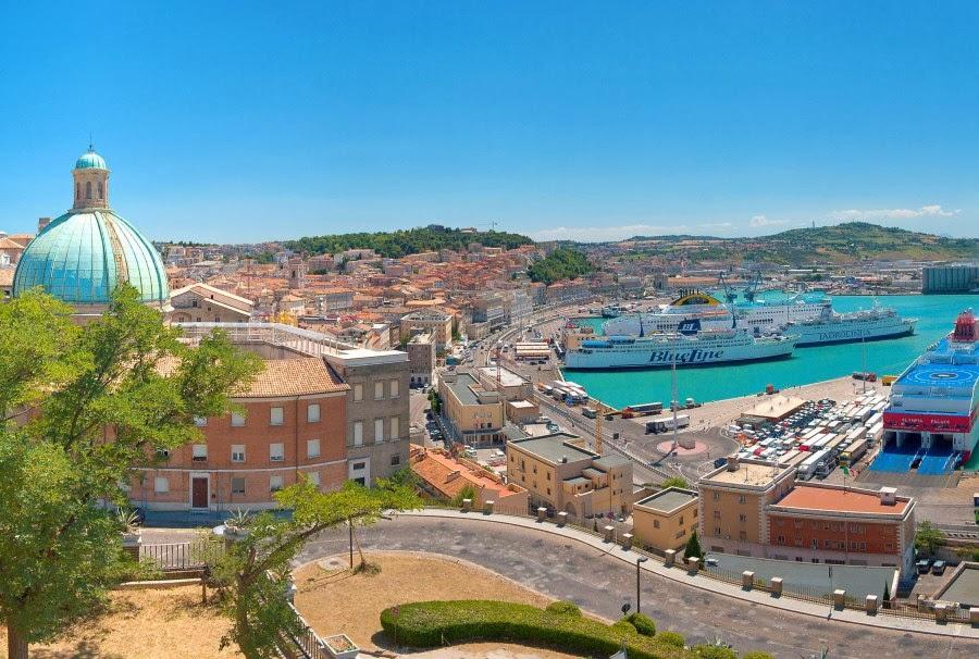 Misto port Ankona - Не всі дороги ведуть до Риму: 5 варіантів для відпустки в Італії