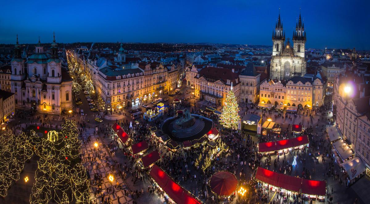 Glavnaya yarmarka strany na Staromestskoj ploshhady - Рождественский тандем! Прага, Дрезден