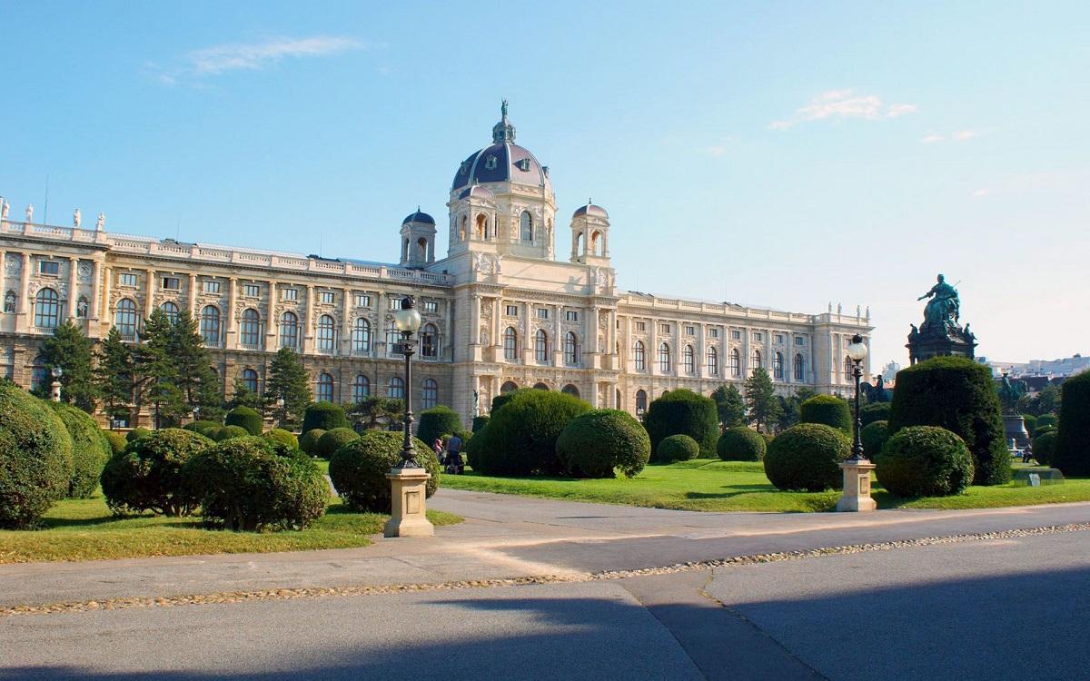 big 537206deff936743748b4cbb 5416723ede70b 1a1csi1 - Відень, Будапешт - вихідні зі смаком